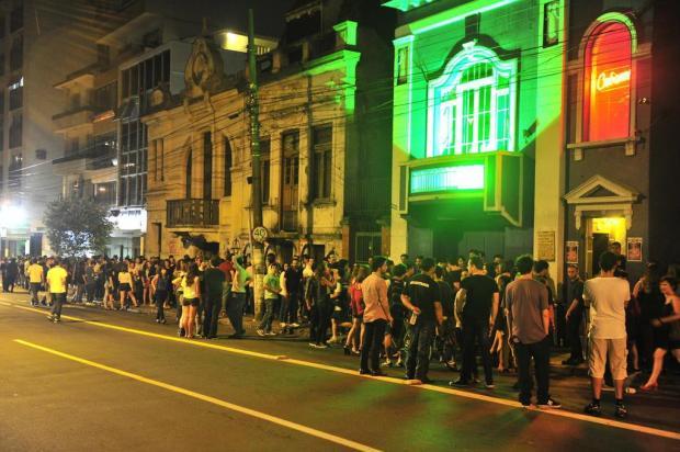 Bolsa De Festa Em Porto Alegre : Viagens para solteiros