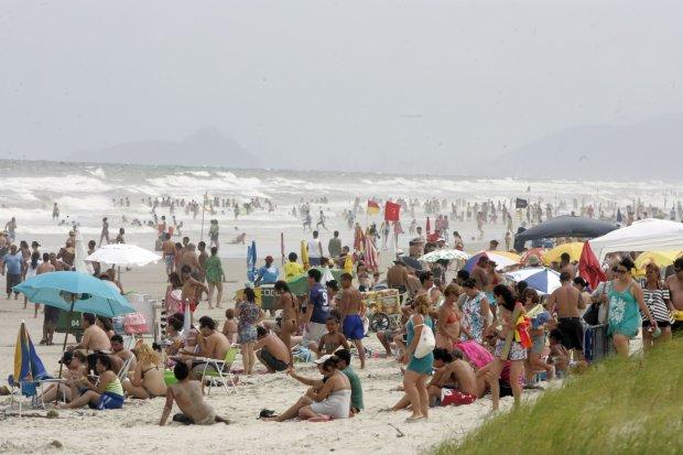Praia do leste, uma ótima praia urbana do Paraná