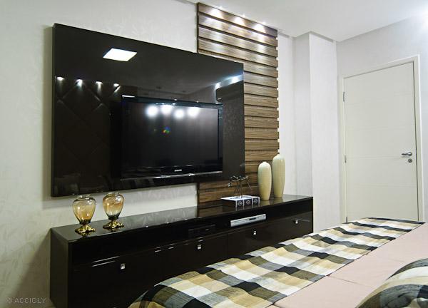 Como decorar um quarto de casal pequeno ~ Quarto Solteiro Com Tv Na Parede