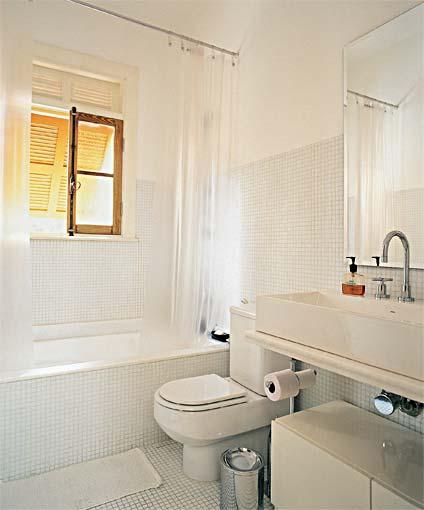Banheira em apartamento Pequeno Preço , Modelos e Dicas de Compra # Banheiro Com Chuveiro Dentro Da Banheira