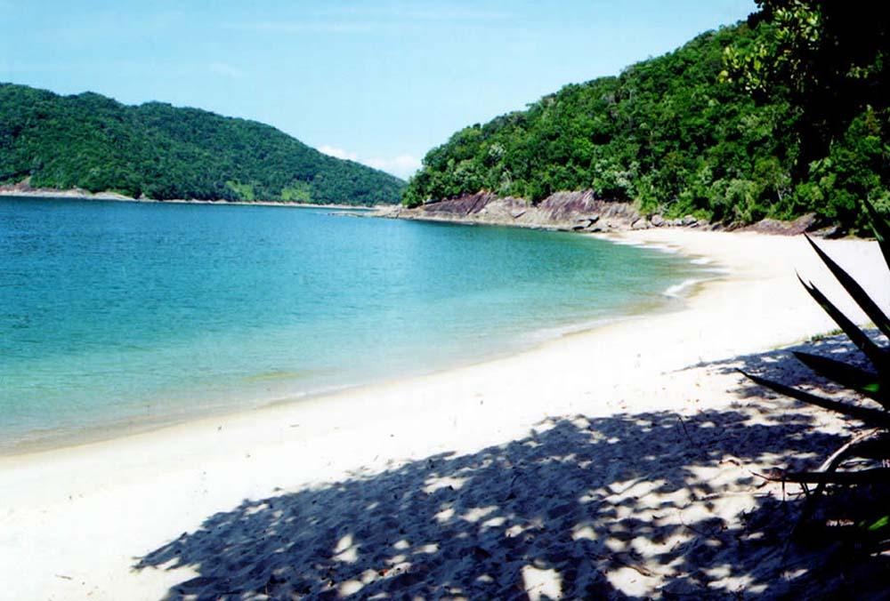 Ilhabela contém algumas das melhores praias preservadas do Brasil