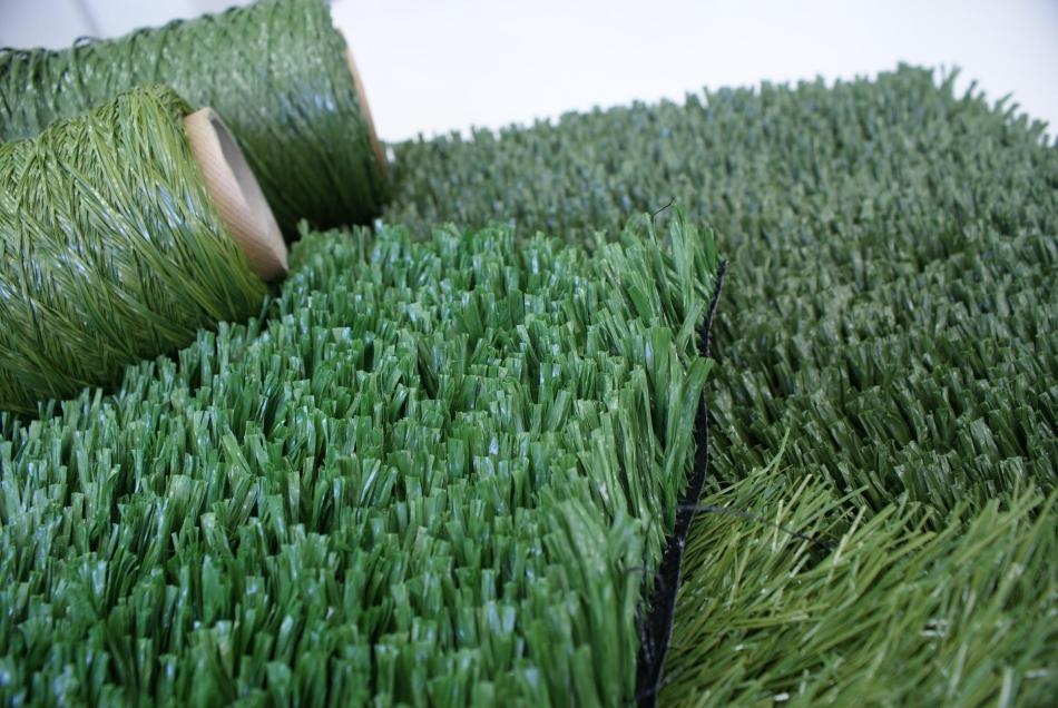 melhor grama sintetica para jardim:grande vantagem em optar pela grama sintética é pela sua